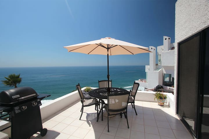 Right next to the dining room is our dining deck and during the day it has great relaxing lunch time views of the ocean.