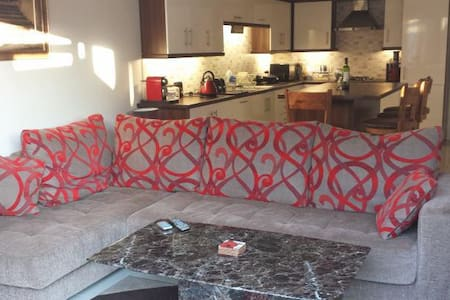 Cosy single room in stylish home - Lisburn - House