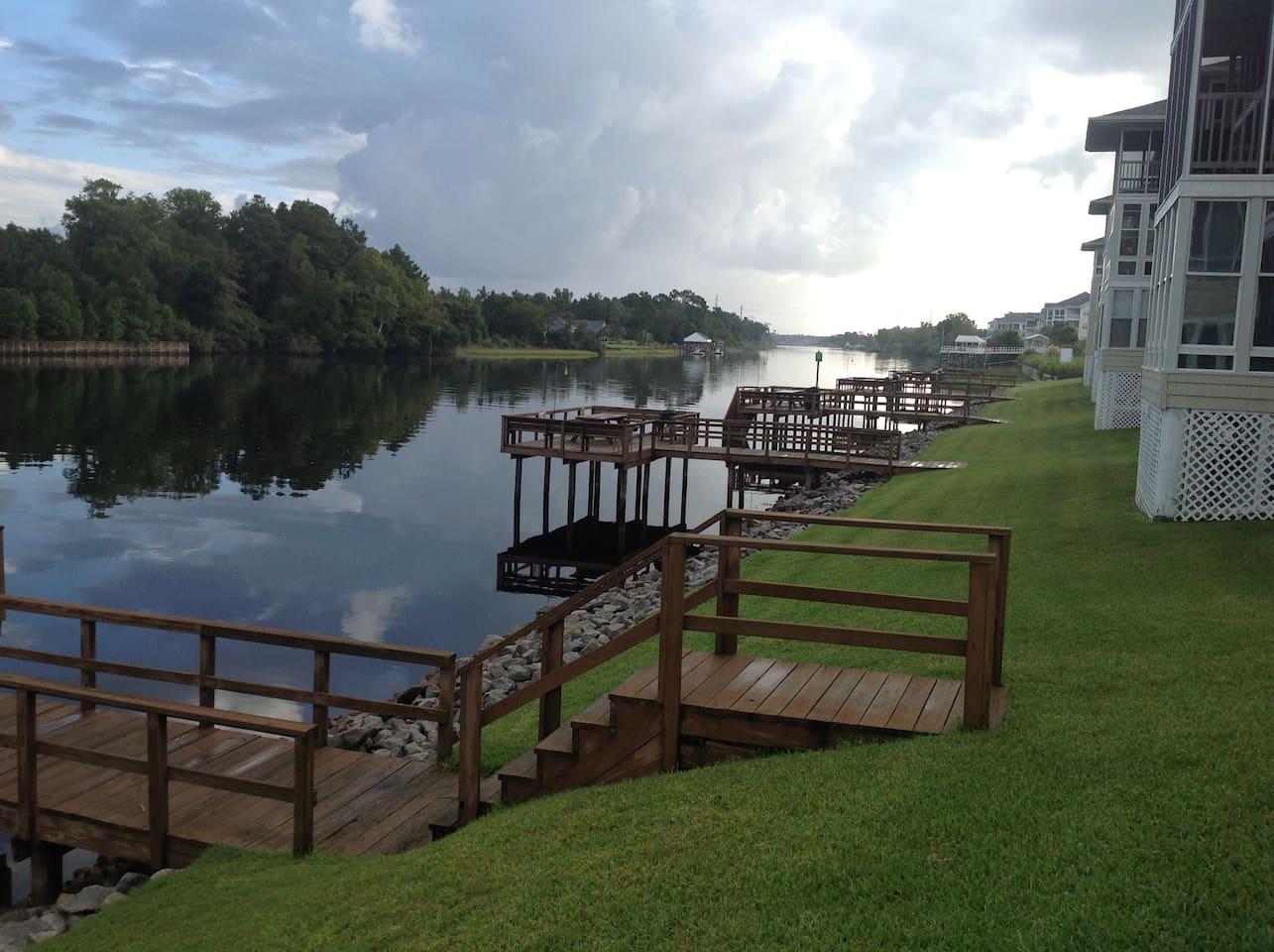 Neighborhood docks on Intracoastal Waterway; short walk from condo