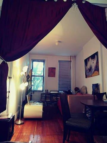 1BR Artistic Dwelling in Ridgewood/Bushwick