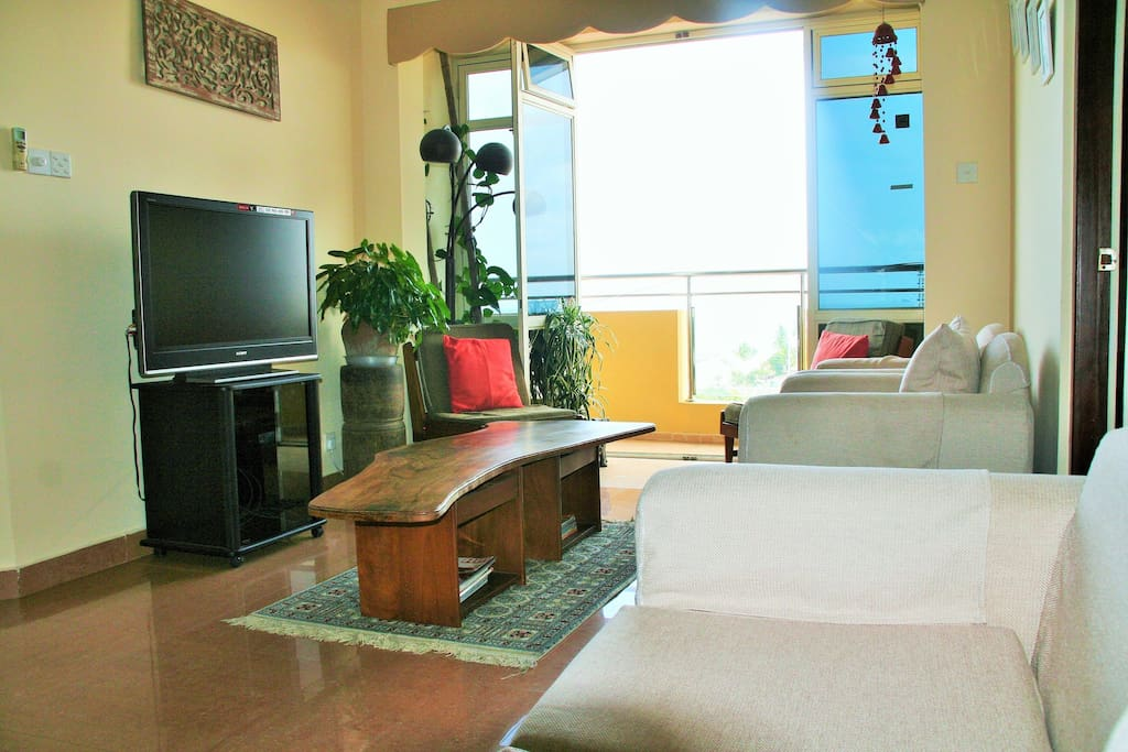 Living area with balcony with views to the Indian Ocean