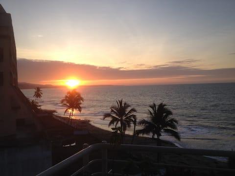 Same Beach, Pacific Paradise