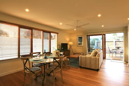 Driftwood Beach Retreat - Blairgowrie