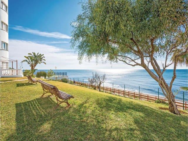 BEACH-SIDE, CALAHONDA, ALGAIDA. SEA VIEWS. WIFI