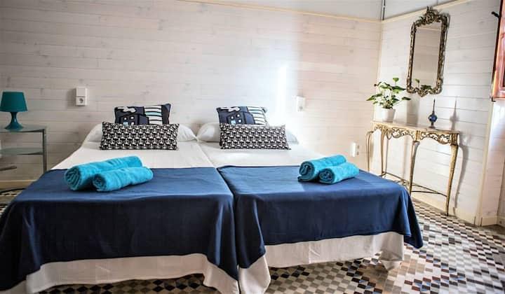 Typical Valencian house, city&beach apartment