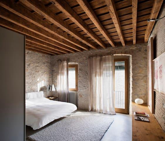 Alemanys 5 - Girona - House