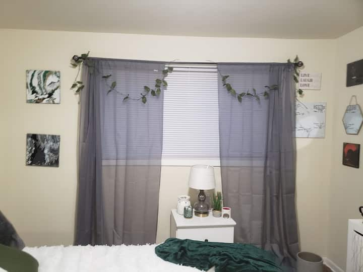 Cute Bedroom For Two in Decatur