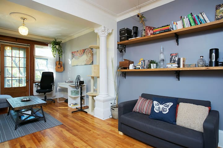Beautiful artsy apartment in Plateau Mont-Royal