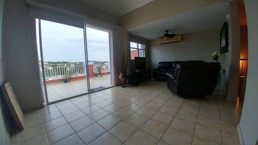 Private room in oceanfront apartment