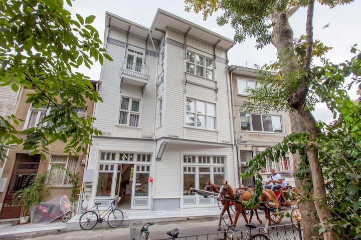 Room + Bike + Breakfast on büyükada - Adalar - Bed & Breakfast