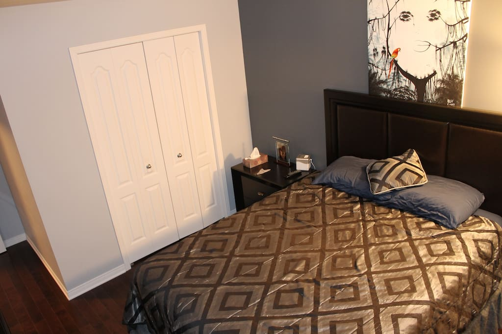 Ground floor Master bedroom with Queen bed