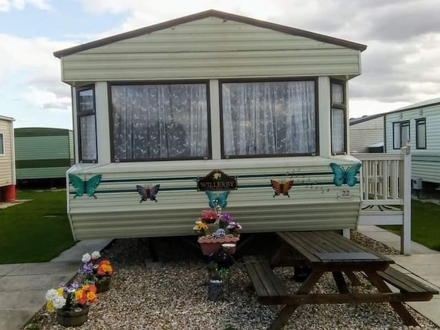 Holiday Home on Golden Palm  in Chapel St Leonards