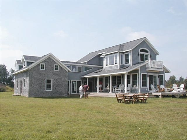 Thous. Isl. Waterfront Estate on private preserve - Cape Vincent - House