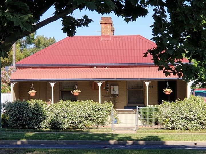 Browncoat Cottage, Mudgee.