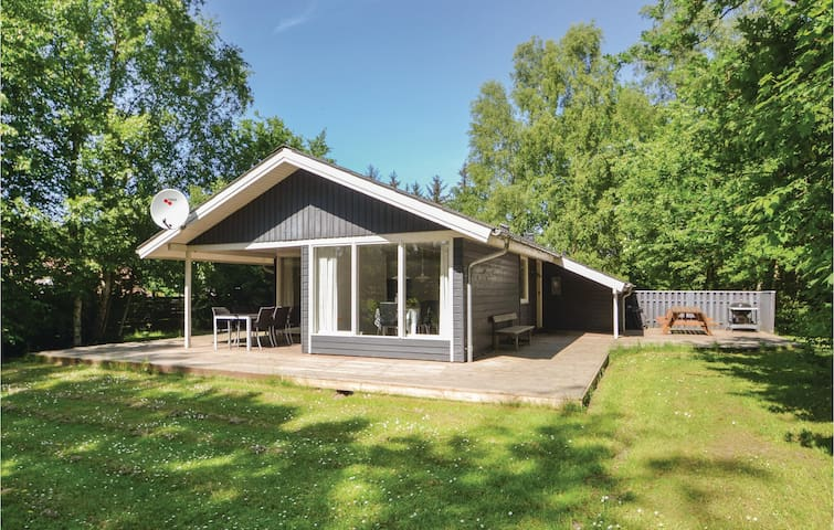 Holiday cottage with 3 bedrooms on 100m² in Grenaa