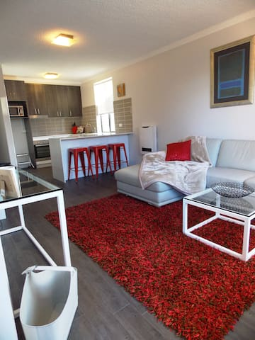 Freshly renovated 2 bedroom unit - Hawker - Flat