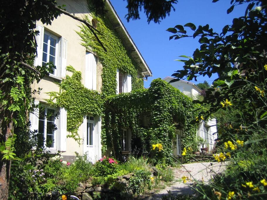 Une chambre en ville avec jardin maisons louer for Une chambre en ville tourcoing