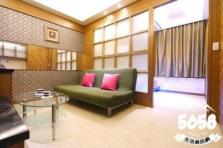 高雄地標85大樓-海角旅店-面中庭雙人房(不挑房)