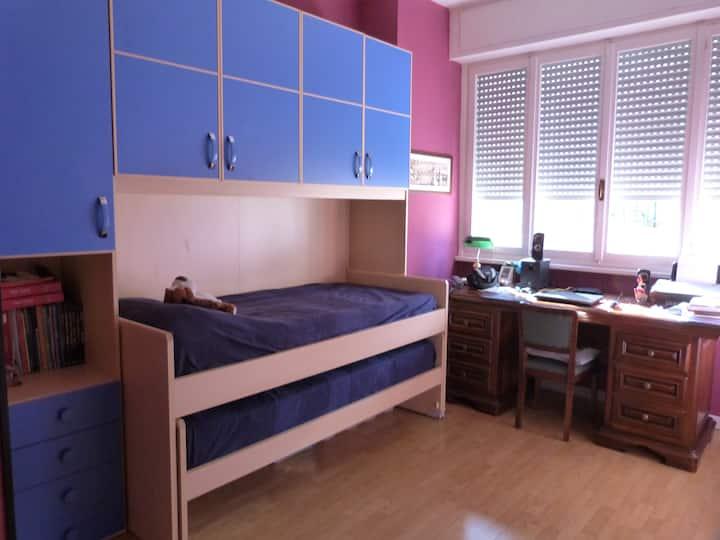 Private room in center