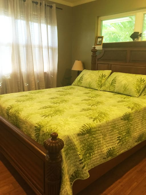 Tommy Bahama luxurious bedding.