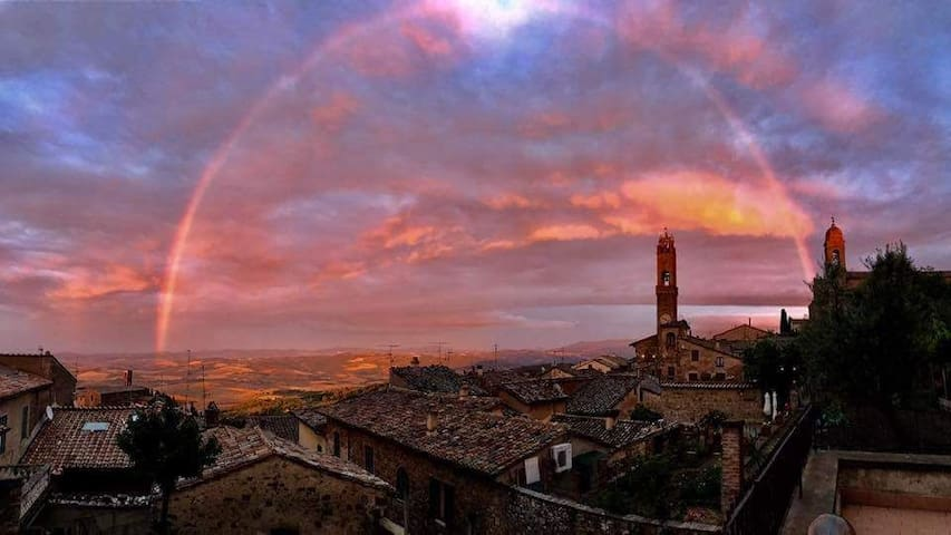 Montalcino, il suo panorama, le sue emozioni....