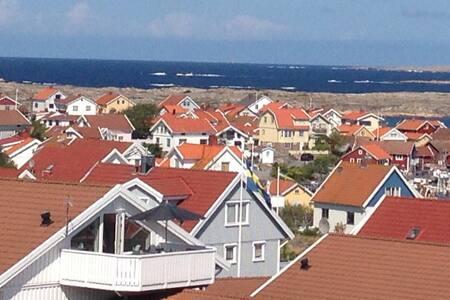 Härligt Smögenhus med havsutsikt - Smögen - Dom