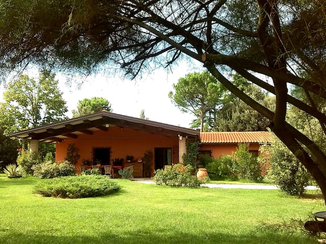 A country villa between hills, art cities and sea - Faenza - Huis