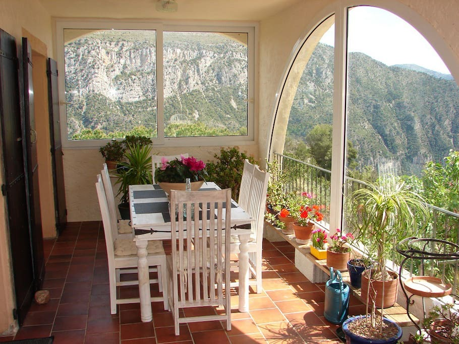 Chambres dans villa proche de nice chambres d 39 h tes for Chambre d hote nice