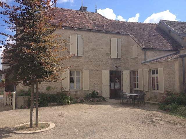MAISON BOURGUIGNONNE EN PIERRE - Villaines-en-Duesmois - Haus