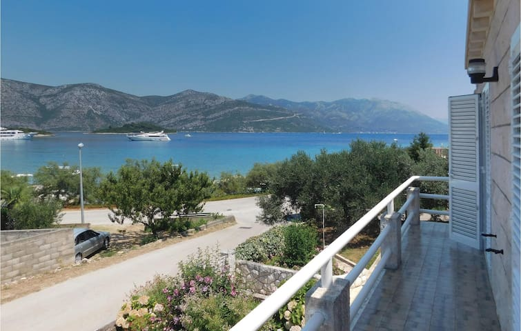 Holiday apartment with 2 bedrooms on 93 m² in Racisce