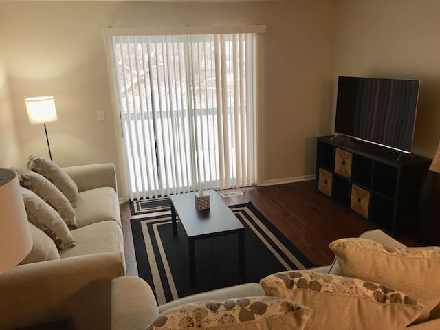 Entire MULFORD PLACE - private, spacious & cozy