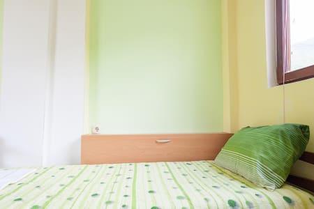 Nice apartment  Lile Pestani - Peshtani
