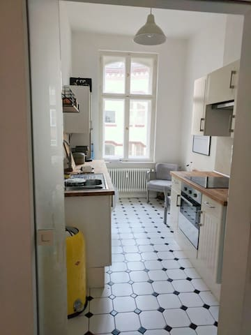 Kitchen with cosy coffee table