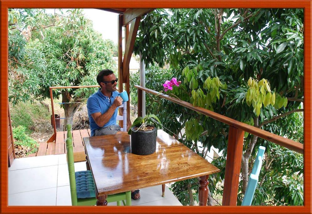 Un café a la terrasse