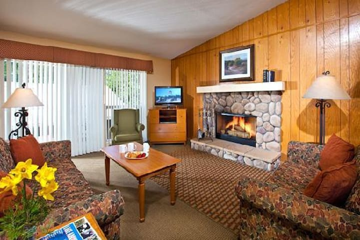 2 BED Lake Arrowhead Chalets - Lake Arrowhead - Huoneisto