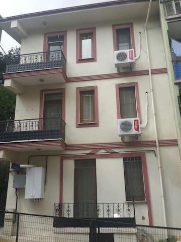 AparT KariyeR'den Lux 1+1 - İzmit - Apartmen