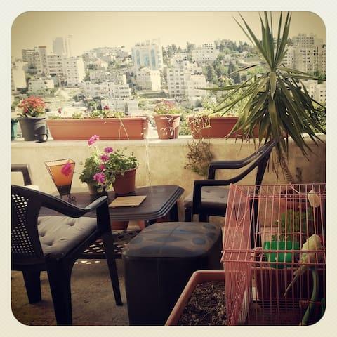a room in a shared flat - Ramallah - Ramallah - Ev