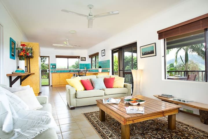 3 bedroom house in the Daintree