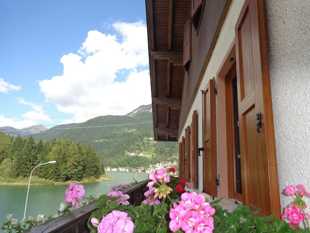 B&B ASTOR on the lake ALLEGHE - Masaré - Bed & Breakfast