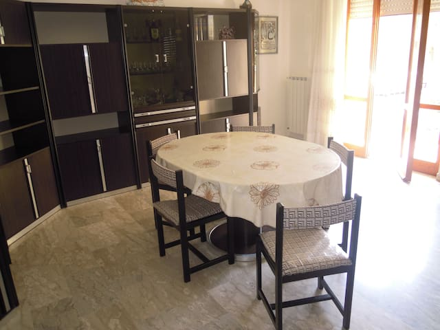 Huge flat, 1m walk to sandy beach - Sperlonga