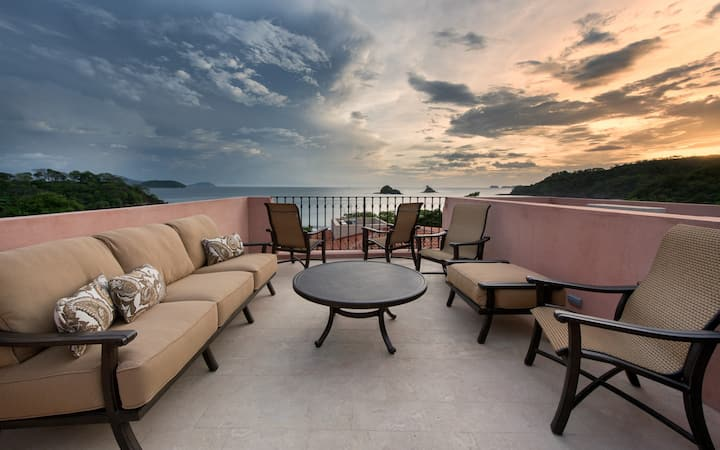 Colorful Ocean View 4br Perfect for Families