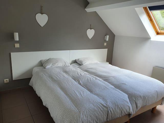 chambre : 2 lits de 1 personnes