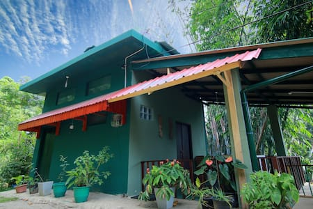 Bamboo Holiday Cottage - Katugastota - Bungalo