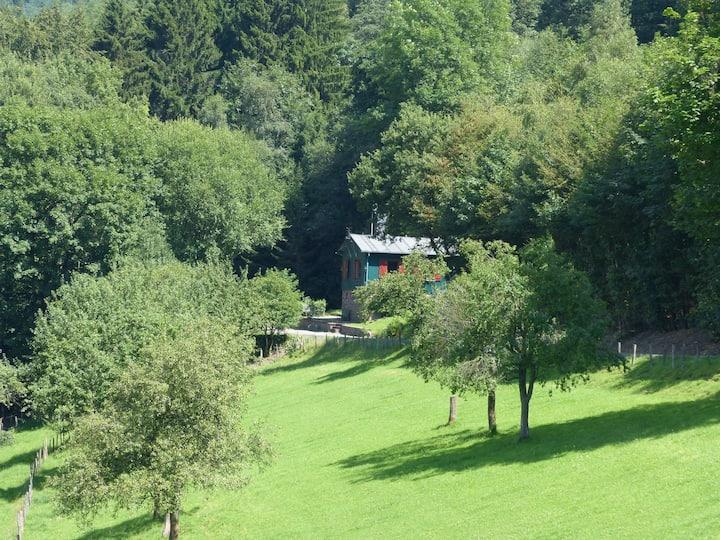 Alleinstehendes Waldhaus am Rothaarsteig
