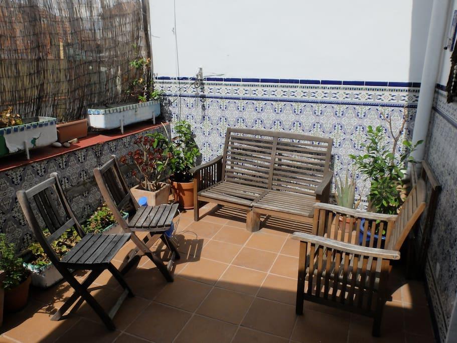 Habitacion centro de madrid apartamentos en alquiler en for Alquiler habitacion plaza espana madrid