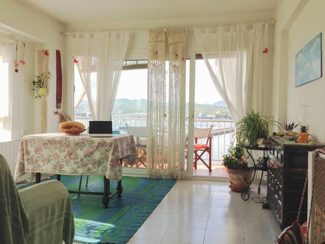 Habitación con cama doble y vistas - St Antoni de Portmany - Apartamento