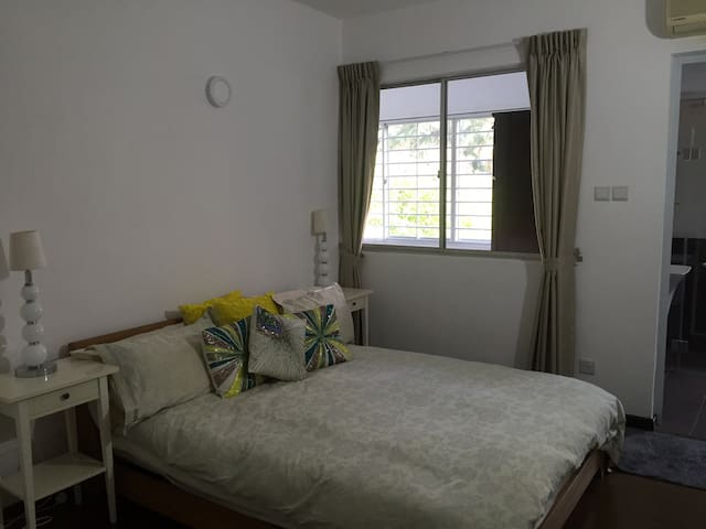 Stylish Double Bedroom with Ensuite - Singapur - Pis