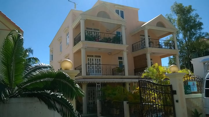 appartement  70m2 /1 ch avec piscine MontChoisy