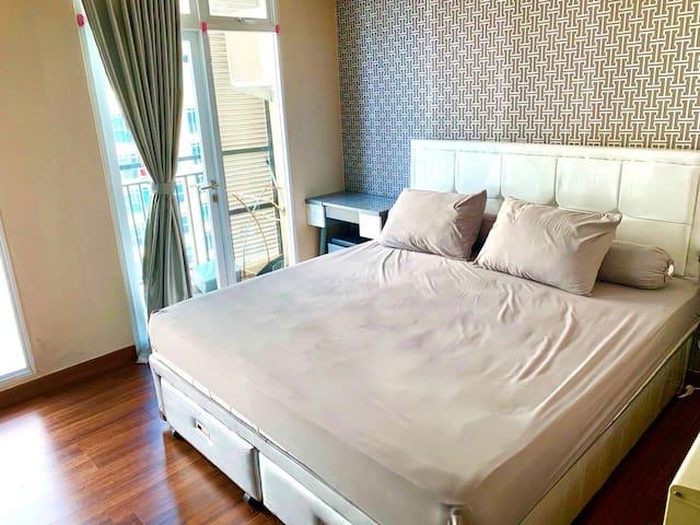Luxury Studio Apartment at Puri Orchard Jakarta