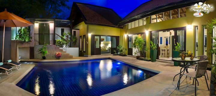 Spacious Villa has Large Pool, Jacuzzi, FREE CAR